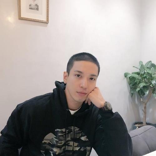 CNBLUE郑容和今日低调入伍