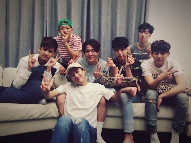 iKON书写新历史 新曲《LOVE SCENARIO》连续40天蝉联音源榜榜首