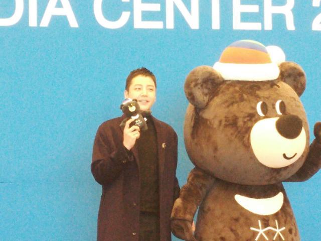 平昌パラリンピック…バンダビとともに登場した韓流スターチャン・グンソク