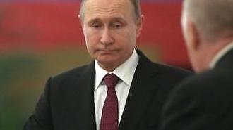 [글로벌포토] 러시아 대선 투표 마치고 나온 푸틴...투표율 얼마나 나올까