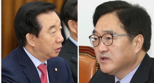 청와대 개헌안 26일 발의…민주-야4당, 개헌 논의 막판까지 충돌
