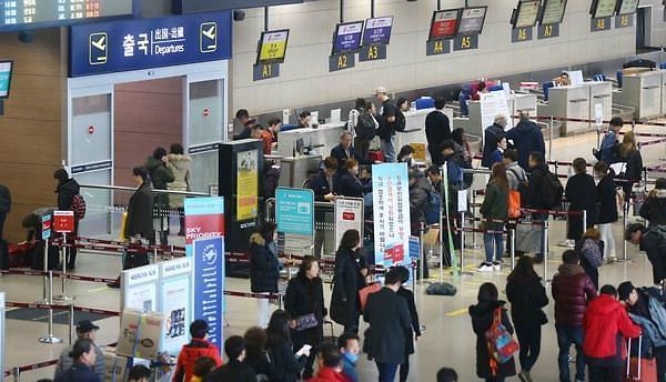 韩成年子女陪父母出境游 5年激增近100%