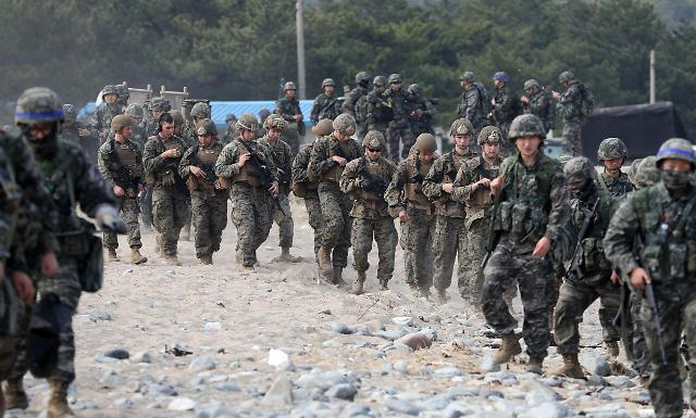 韩美进行联合登陆演习