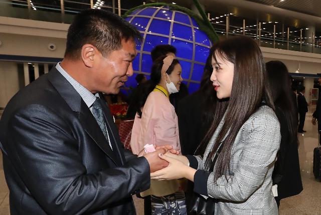 Red Velvet与朝方人士道别