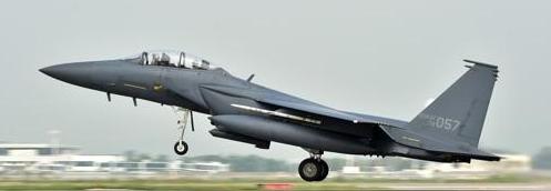 <快讯>一架战机在韩国境内坠毁 疑为F-15K战斗机