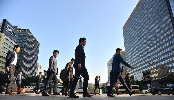 韩国职场塔尖上的1% 人均年薪145万