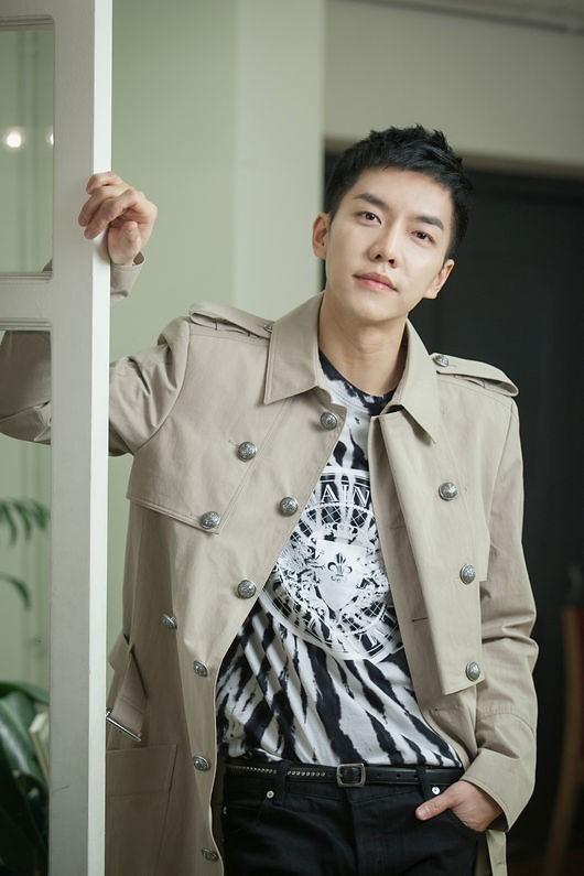 李昇基将出演JTBC综艺《认识的哥哥》