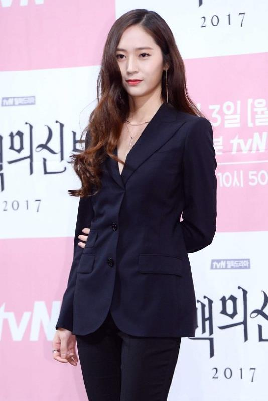 f(x)成员Krystal挑战演技 有望携新剧回归荧屏