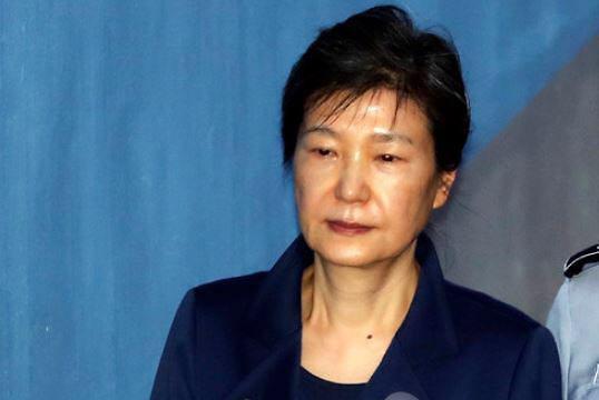 朴槿惠放弃上诉 检方抗诉将二审