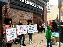 '인종차별 논란' 스타벅스, 내달 미 전역 8000개 매장 문닫고 직원 교육