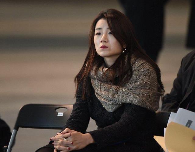 """""""泼水门""""主角大韩航空二小姐被立案调查  公司中断一切媒体广告"""