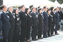 """여야, 4·19혁명 58주년 맞아 """"민주주의 수호"""" 한목소리"""