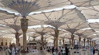 [영상] 순례자 보호를 위해 사우디가 설치한 거대우산