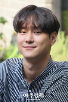 """고경표, 5월 21일 현역 입대 """"배우·인간으로 성장해 돌아올 것"""""""
