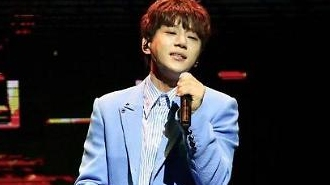 [AJU★종합] 가수 황치열의 '기승전팬', 팬사랑 담은 별, 그대로 또 한 번 차트 점령할까