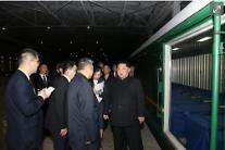 """[중국포토] """"속죄합니다"""" 北 김정은, 중국관광객 시신 실은 특별열차 직접 배웅"""