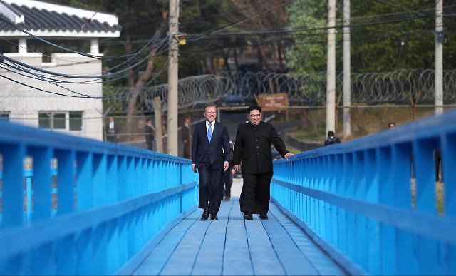 """""""文金会""""徒步桥畅谈30分钟 为什么会是这座桥?"""