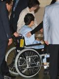 .朴槿惠腰疾复发前往医院接受治疗.