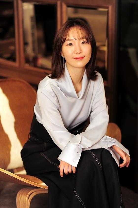 女優イ・ユヨン、SBS新ドラマ「親愛なる裁判様」で俳優ユン・シユンと共演