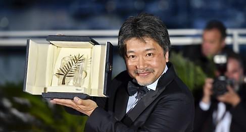 만비키 가족 日고레에다 감독, 칸 황금종려상 수상