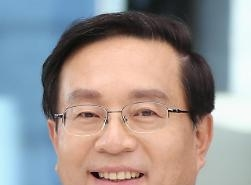 지주사 전환 계획 밝힌 손태승, IR 위해 홍콩·싱가포르 간다