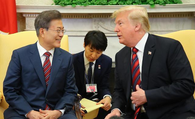 特朗普会见文在寅:韩美FTA出现转机?