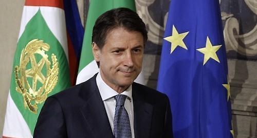 이탈리아 새 정부, 법학자 출신 정치신예가 이끈다