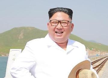 [포토] 해맑은 김정은 위원장