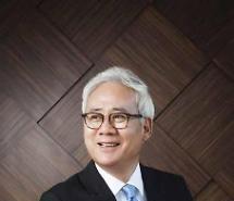 [유통업계 흑역사 (69)] 홍성열 마리오아울렛 회장, '갑질 오너' 꼬리표…박근혜 사저 매입도 논란