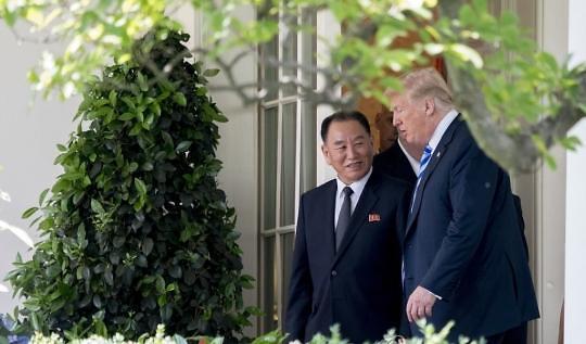 特朗普:本月12日会晤金正恩 或宣布结束半岛战争状态