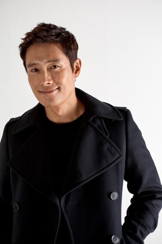 李秉宪有望出演新片《南山的部长们》
