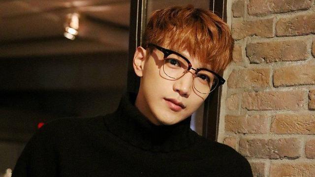 2PM Jun.k因肩痛就医