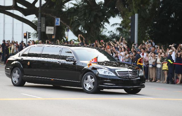 金正恩前往新加坡总统府 将与李显龙举行会谈