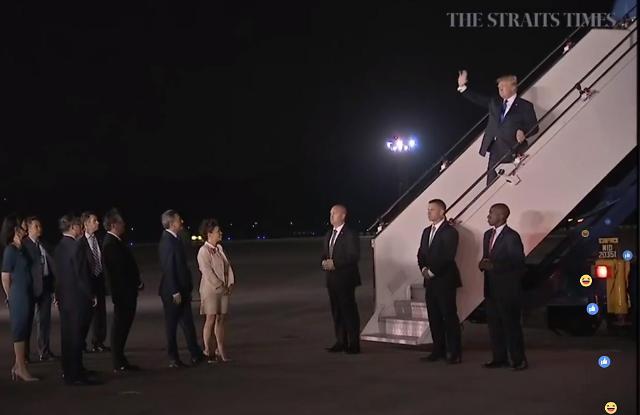 美国总统特朗普抵达新加坡