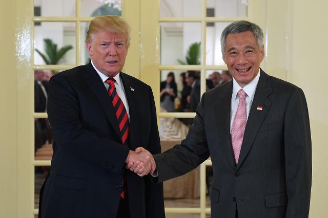 新加坡总理李显龙会见美国总统特朗普