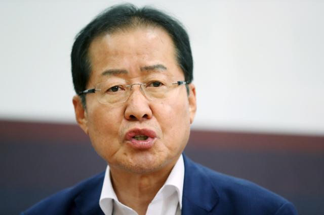 韩在野党代表叫板特朗普:你被金正恩骗了!