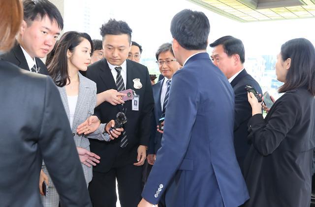 [포토] 모두 김명수만 바라보는 상황