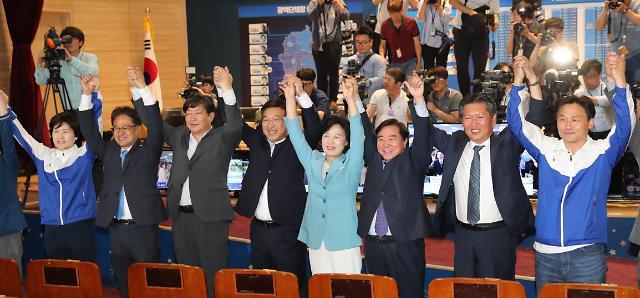 [이번주 국회 3컷] 잔칫집 민주당·초상집 한국당·새 식구 12명