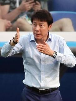 """[월드컵] '아쉬움 삼킨' 신태용 감독 """"아직 경기 남아 있다...공은 둥글다"""""""
