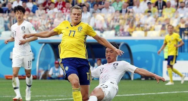 통한의 VAR…한국, 스웨덴에 0-1 석패