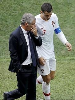 """[월드컵] 산토스 포르투갈 감독 """"호날두, 계속해서 진화하는 선수"""""""