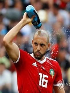 """[월드컵] 암라바트 쓴 소리 """"VAR, 매번 사용 안 하면 효과 없다"""