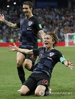 [월드컵] 우승후보 아르헨티나, 크로아티아에 0-3 참패 굴욕…16강 탈락 위기