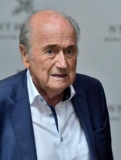 """[월드컵] 블래터 전 FIFA 회장 일관성 없는 VAR은 실패했다"""""""