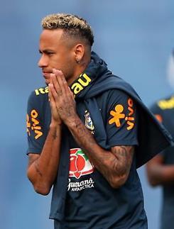 [월드컵] 위기의 브라질, 에이스 네이마르 다시 무대에 오른다
