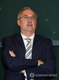 """[월드컵] 슈틸리케 전 감독 장현수, 독일에 가장 위협되는 선수"""""""