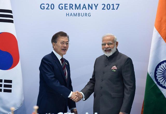 文在寅本月8-13日将分别访问印度和新加坡