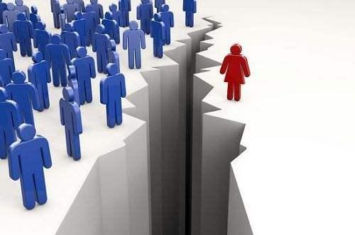 韩国女性职员平均月薪13589元 仅为男性的67%