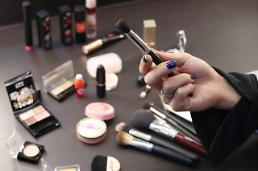 .S. Korea records highest cosmetics trade surplus in 2017.