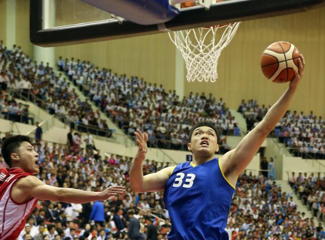 韩朝统一篮球赛男子组朝鲜获胜